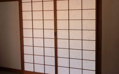 Fabrication de porte coulissante japonaise en Alsace